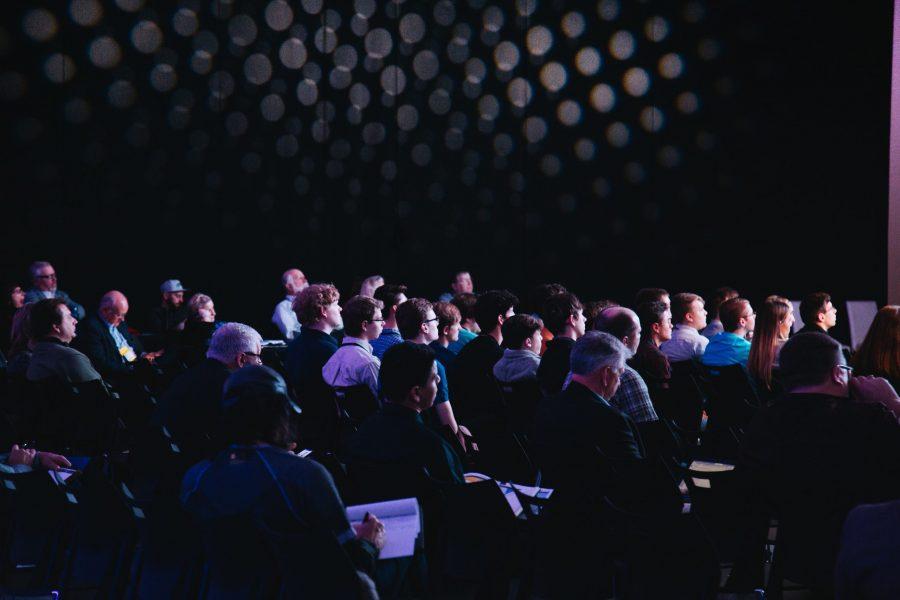 Referenz Data Analytics Cognos Messe Frankfurt Photo by Headway on Unsplash scaled